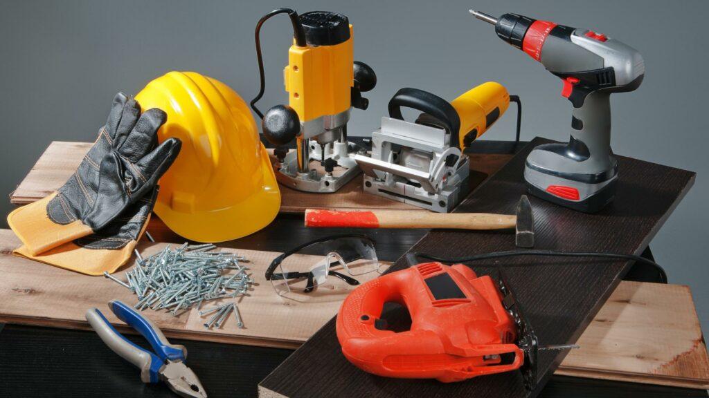 инструмент для строительства дома